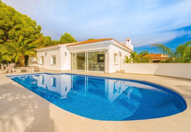 Een huis kopen in Spanje? Kijk eens rond in het mooie Moraira!